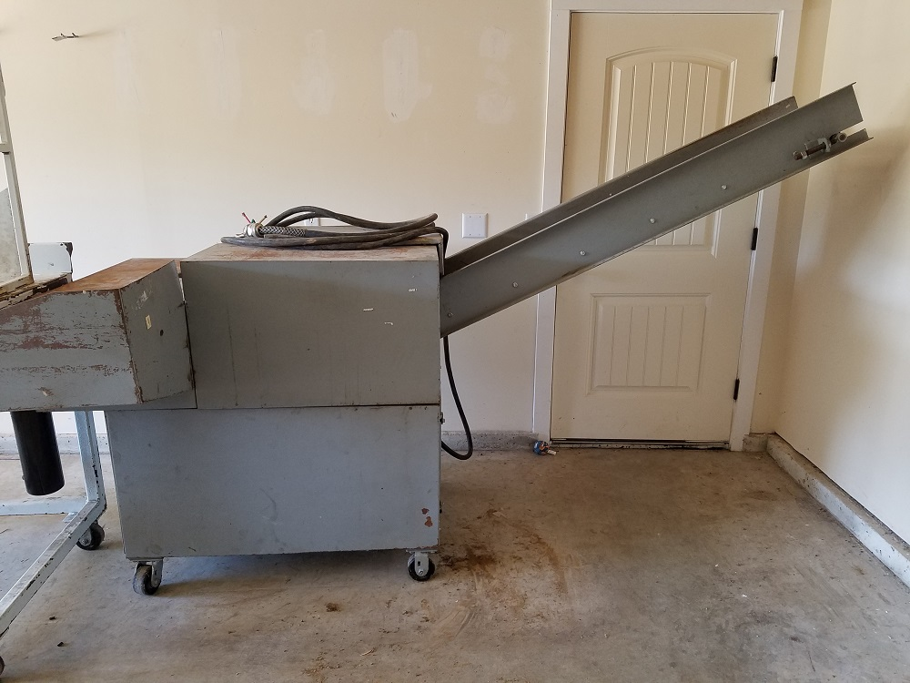 paper shredder for sale Paper shredder for sale in great working condition useful in the home or office comes with manual we are open monday to friday from 8am - 4pm.